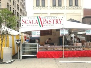 The Original Scala Pastry Stand